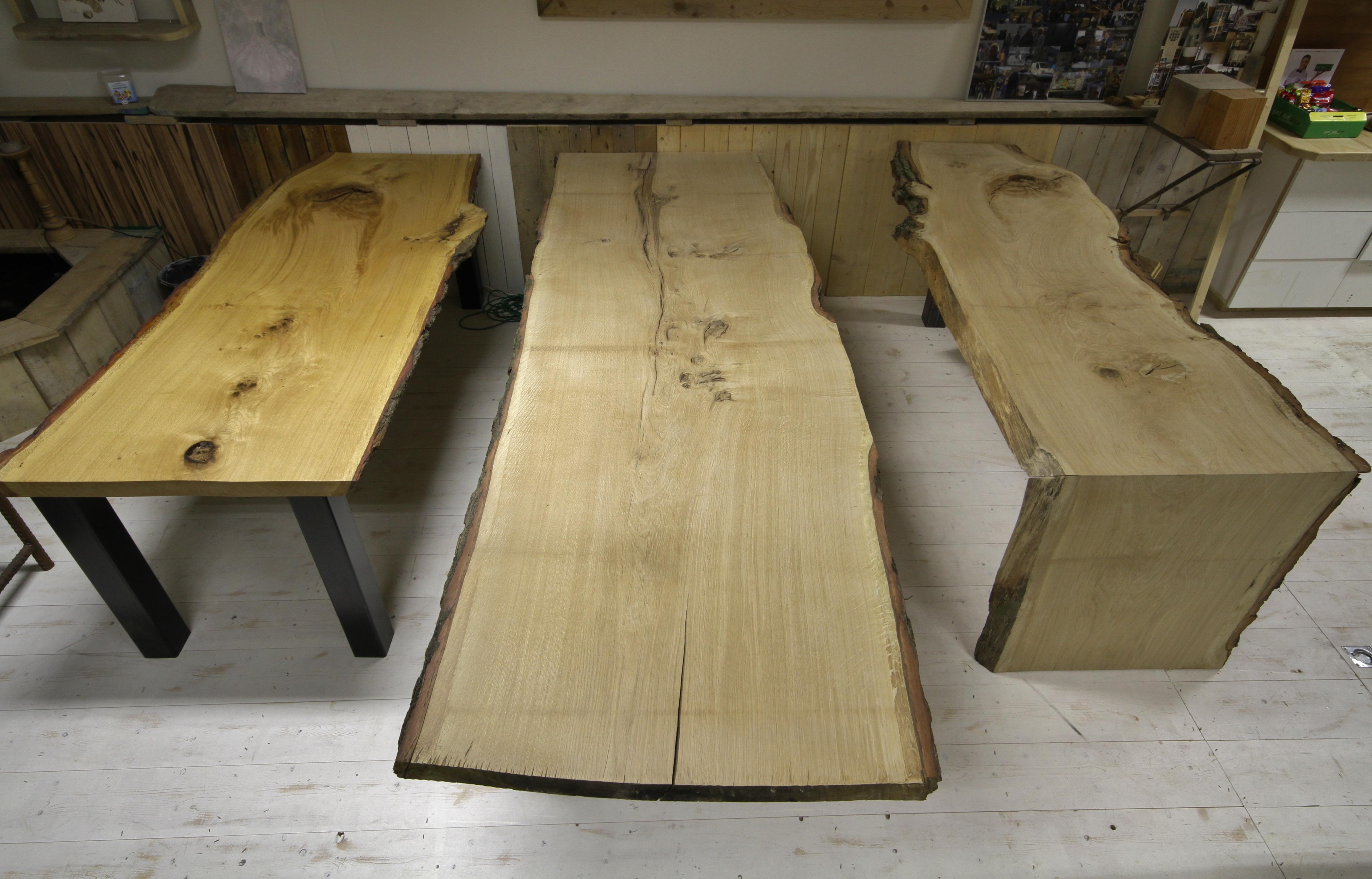Eikenhouten tafels
